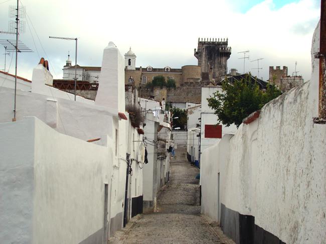 Rua em Estremoz, Portugal