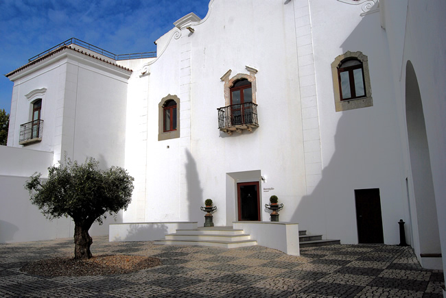 Évora, Portugal, foto de Harvey Barrison, CCBYSA