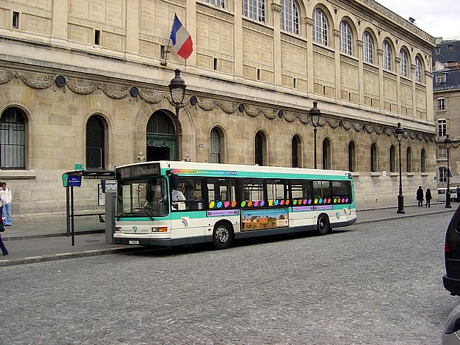 Ônibus em Paris