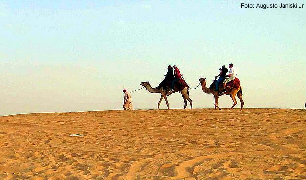 Árabes no deserto - Foto- Augusto Janiski Jr CCBY