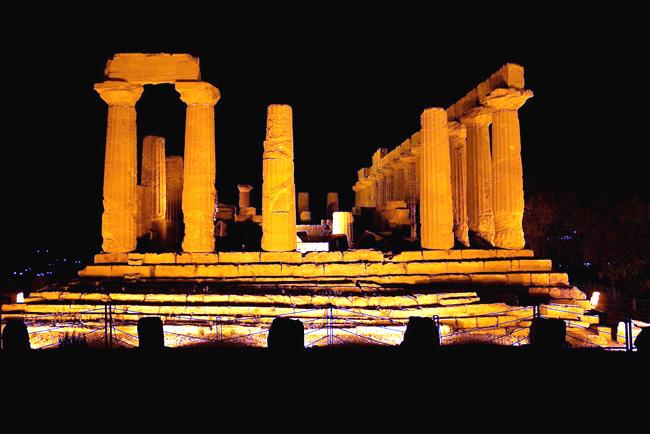 Valle dei Templi, perto de Agrigento, Foto Maria Izzo