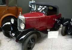 Carro antigo, Musée du l'Automobile, Reims, França