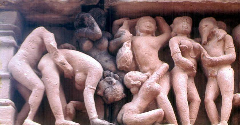 Esculturas eróticas de dos templos de Khajurao, na Índia
