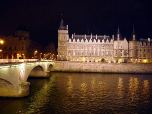 Conciergerie à noite, Île de la Cité, Paris