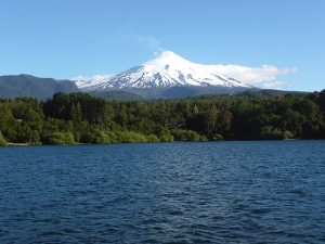 Vulcão Villarrica visto de Pucón, no Chile