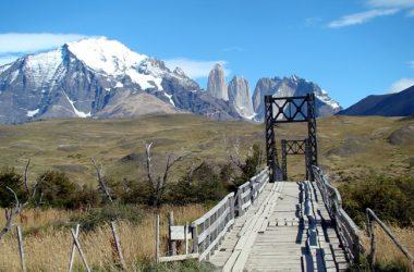 Ponte rústica em Torres del Paine